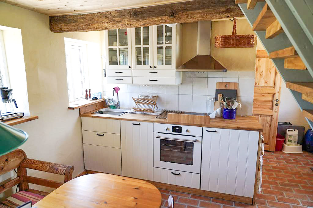 The kitchen in the cottage is fully equipped for self-catering.