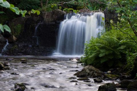 Hallamölla vattenfall..
